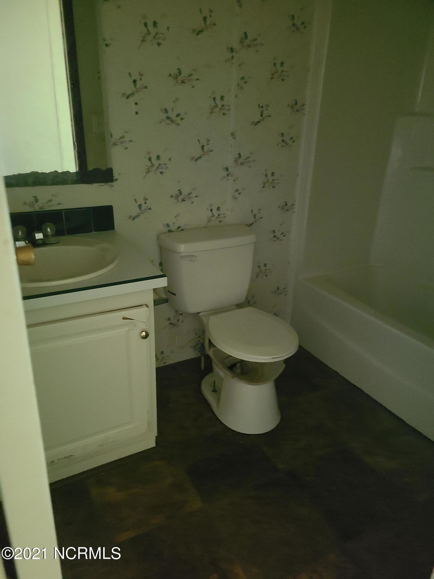 341 Burncoat Road, Kinston, North Carolina 28504, 7 Rooms Rooms,3 BathroomsBathrooms,Manufactured home,For sale,Burncoat,100285117