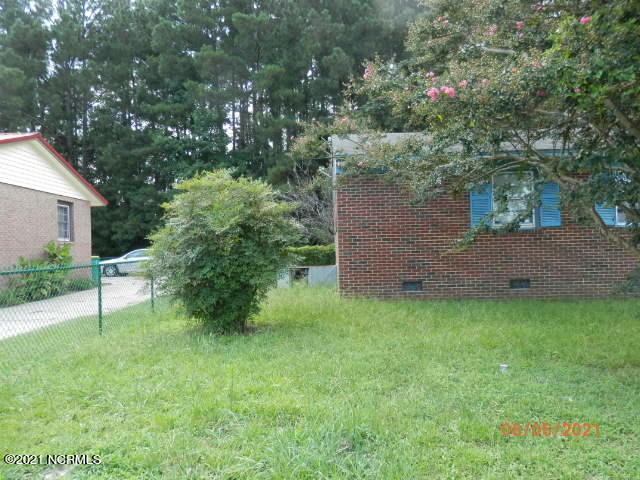 544 Spruce Street, Lumberton, North Carolina 28358, 3 Bedrooms Bedrooms, 5 Rooms Rooms,1 BathroomBathrooms,Single family residence,For sale,Spruce,100285414