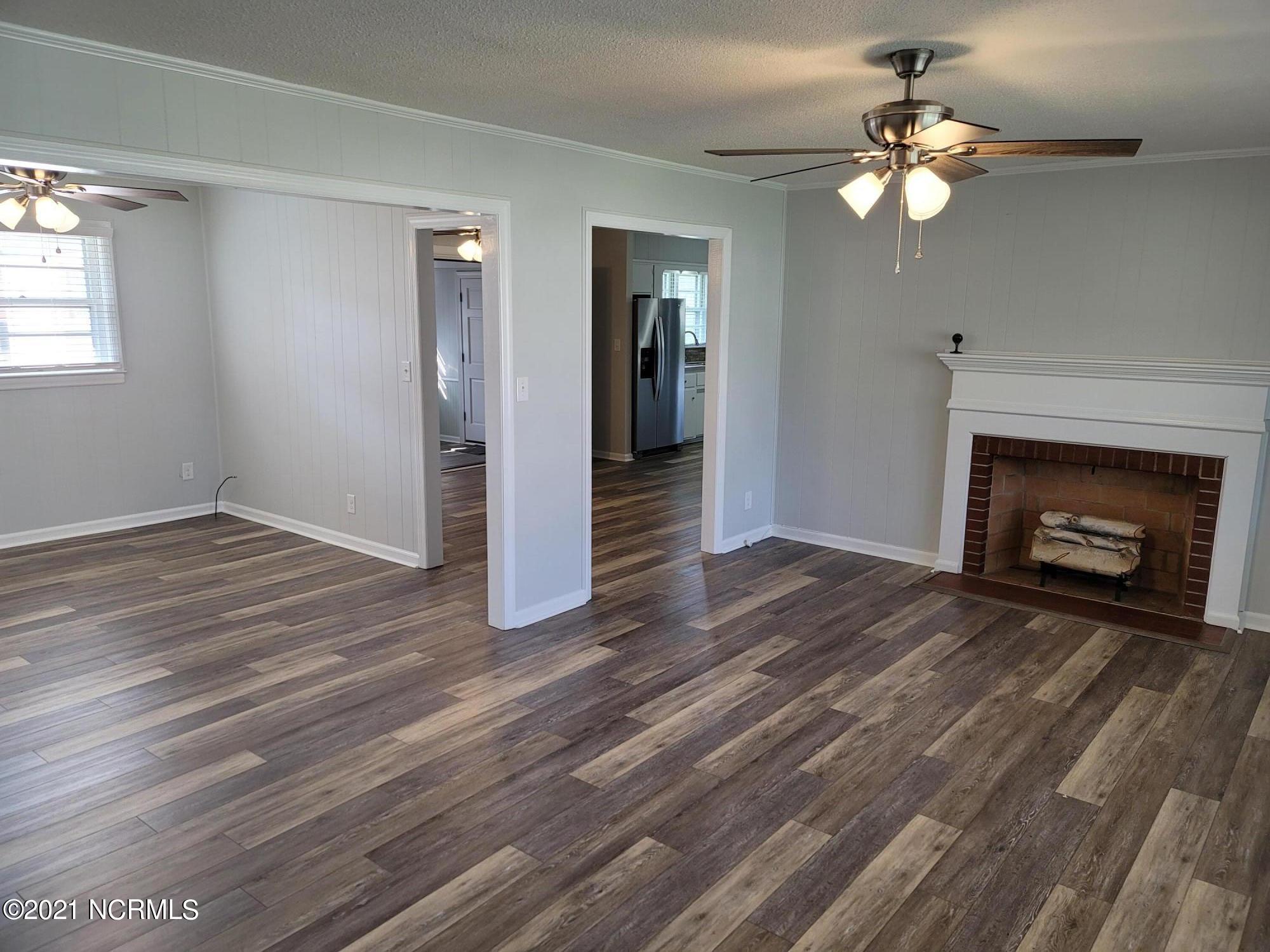 205 Craven Avenue, Beaufort, North Carolina 28516, 3 Bedrooms Bedrooms, 8 Rooms Rooms,2 BathroomsBathrooms,Single family residence,For sale,Craven,100285593