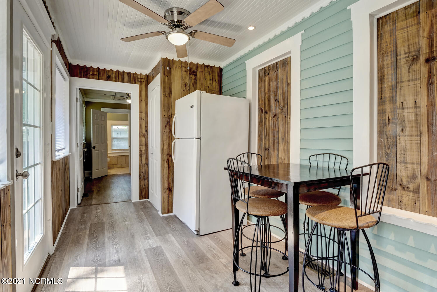 3614 Wrightsville Avenue, Wilmington, North Carolina 28403, 2 Bedrooms Bedrooms, 2 Rooms Rooms,2 BathroomsBathrooms,Single family residence,For sale,Wrightsville,100285764