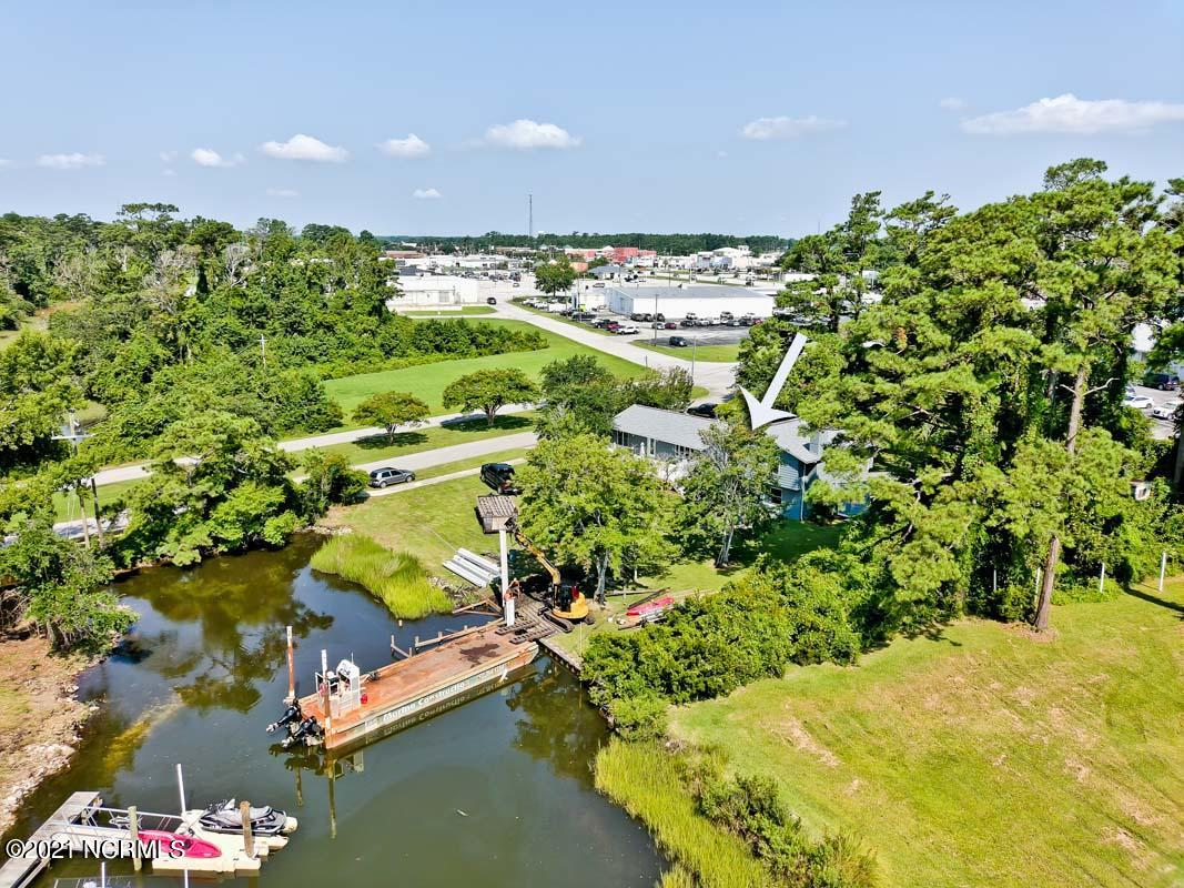 111 Mansfield Parkway, Morehead City, North Carolina 28557, 5 Bedrooms Bedrooms, 11 Rooms Rooms,3 BathroomsBathrooms,Single family residence,For sale,Mansfield,100285946
