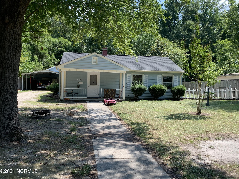 1008 Pine Street, Laurinburg, North Carolina 28352, 3 Bedrooms Bedrooms, 6 Rooms Rooms,1 BathroomBathrooms,Single family residence,For sale,Pine,100285816