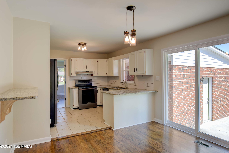 609 Littlejohn Avenue, Jacksonville, North Carolina 28546, 4 Bedrooms Bedrooms, 8 Rooms Rooms,2 BathroomsBathrooms,Single family residence,For sale,Littlejohn,100285903