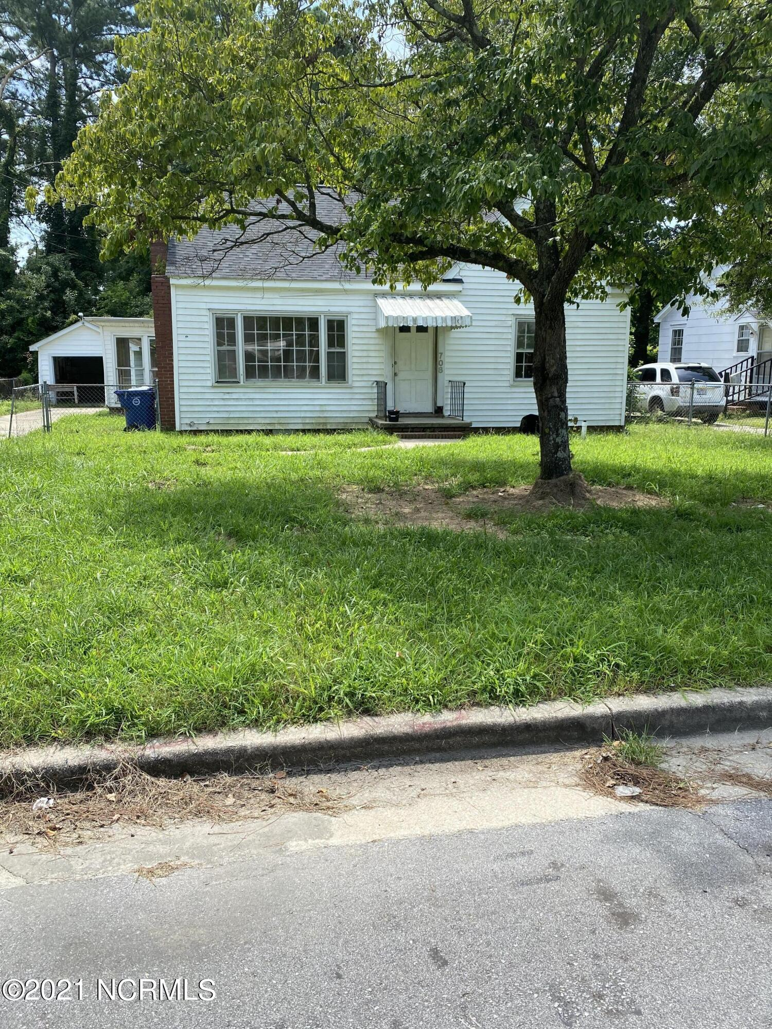 708 Jones Avenue, Kinston, North Carolina 28504, 3 Bedrooms Bedrooms, 5 Rooms Rooms,1 BathroomBathrooms,Single family residence,For sale,Jones,100285425