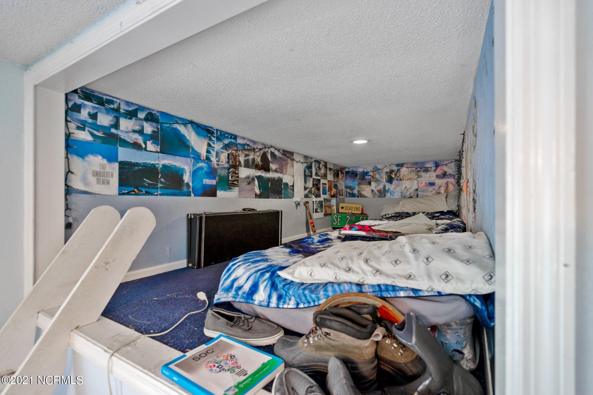 122 2nd Street, Oak Island, North Carolina 28465, 4 Bedrooms Bedrooms, 11 Rooms Rooms,2 BathroomsBathrooms,Single family residence,For sale,2nd,100285837