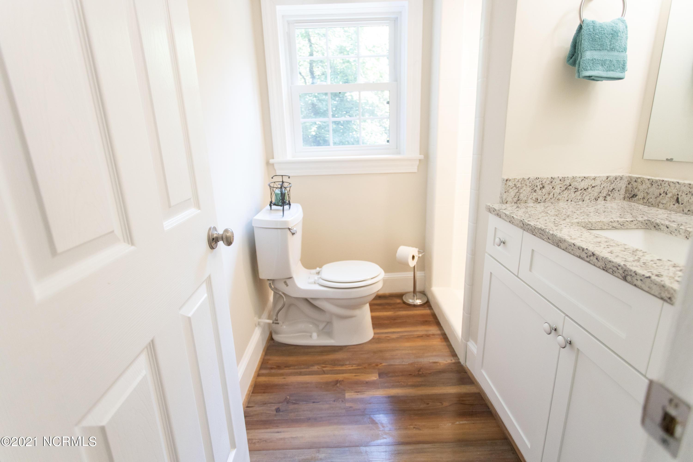 134 Longmeadow Road, Greenville, North Carolina 27858, 4 Bedrooms Bedrooms, 7 Rooms Rooms,3 BathroomsBathrooms,Single family residence,For sale,Longmeadow,100286153