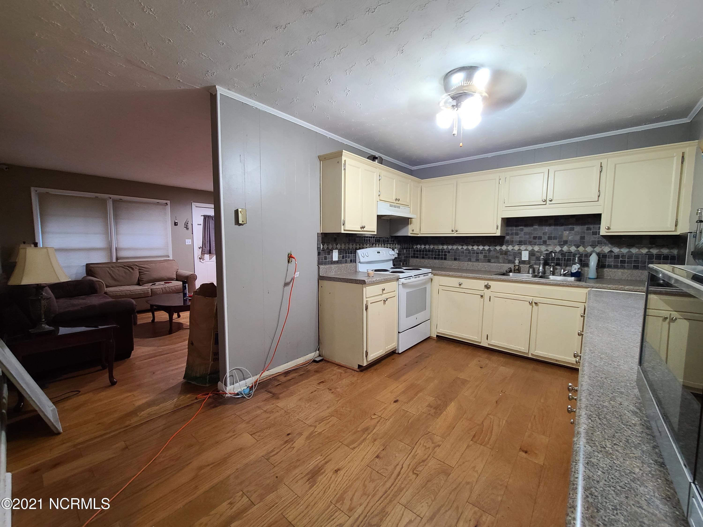 9 Princeton Drive, Jacksonville, North Carolina 28546, 3 Bedrooms Bedrooms, 7 Rooms Rooms,1 BathroomBathrooms,Single family residence,For sale,Princeton,100284185