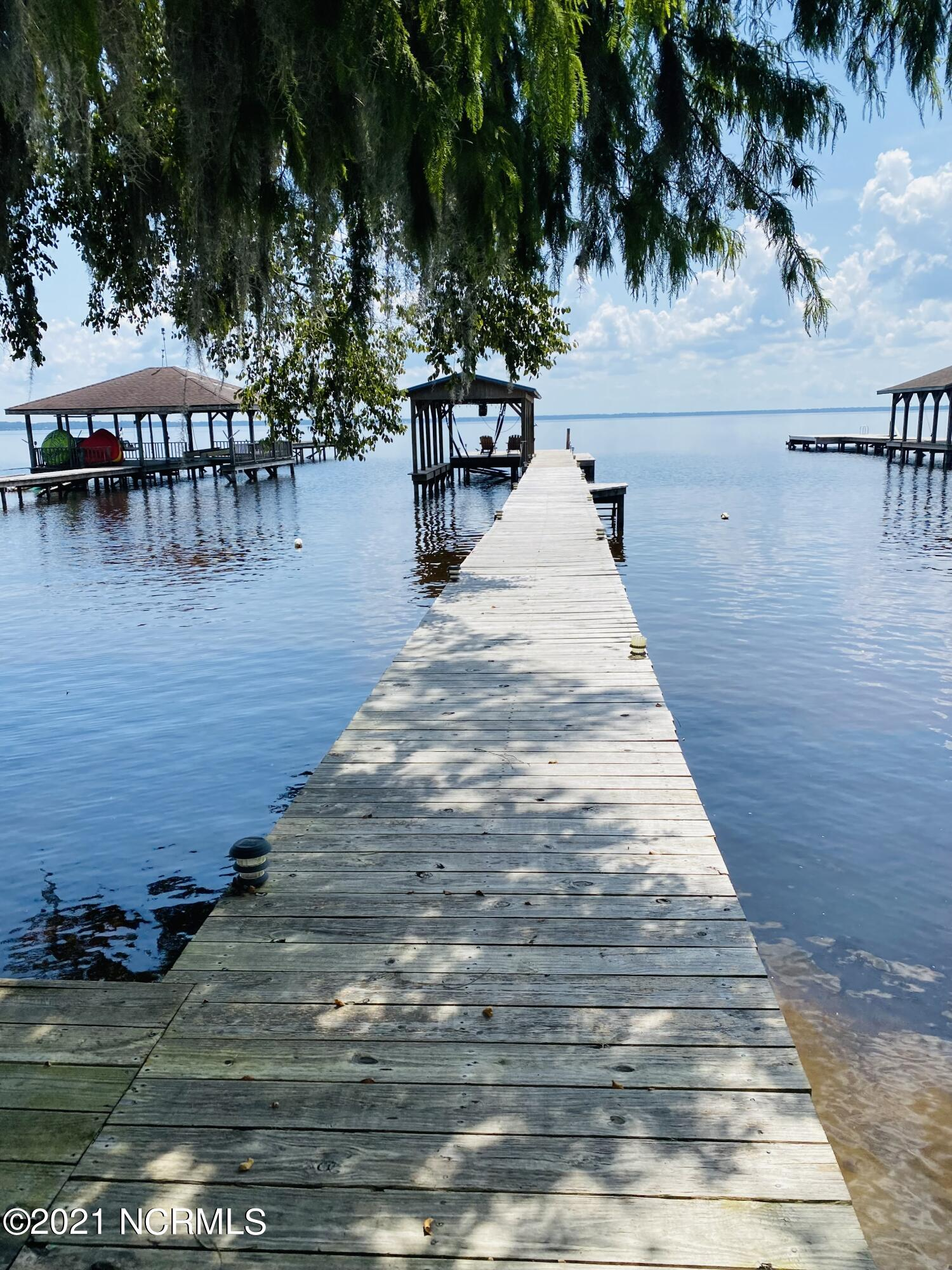 1912 Canal Cove Road, Lake Waccamaw, North Carolina 28450, 2 Bedrooms Bedrooms, 3 Rooms Rooms,1 BathroomBathrooms,Single family residence,For sale,Canal Cove,100286430