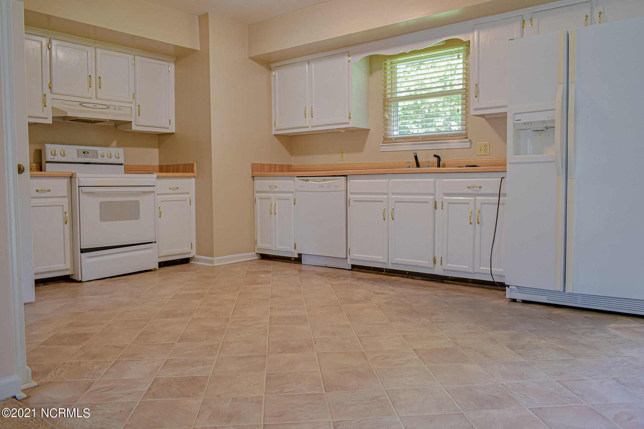 605 Shamrock Drive, Jacksonville, North Carolina 28540, 3 Bedrooms Bedrooms, 6 Rooms Rooms,2 BathroomsBathrooms,Single family residence,For sale,Shamrock,100275456