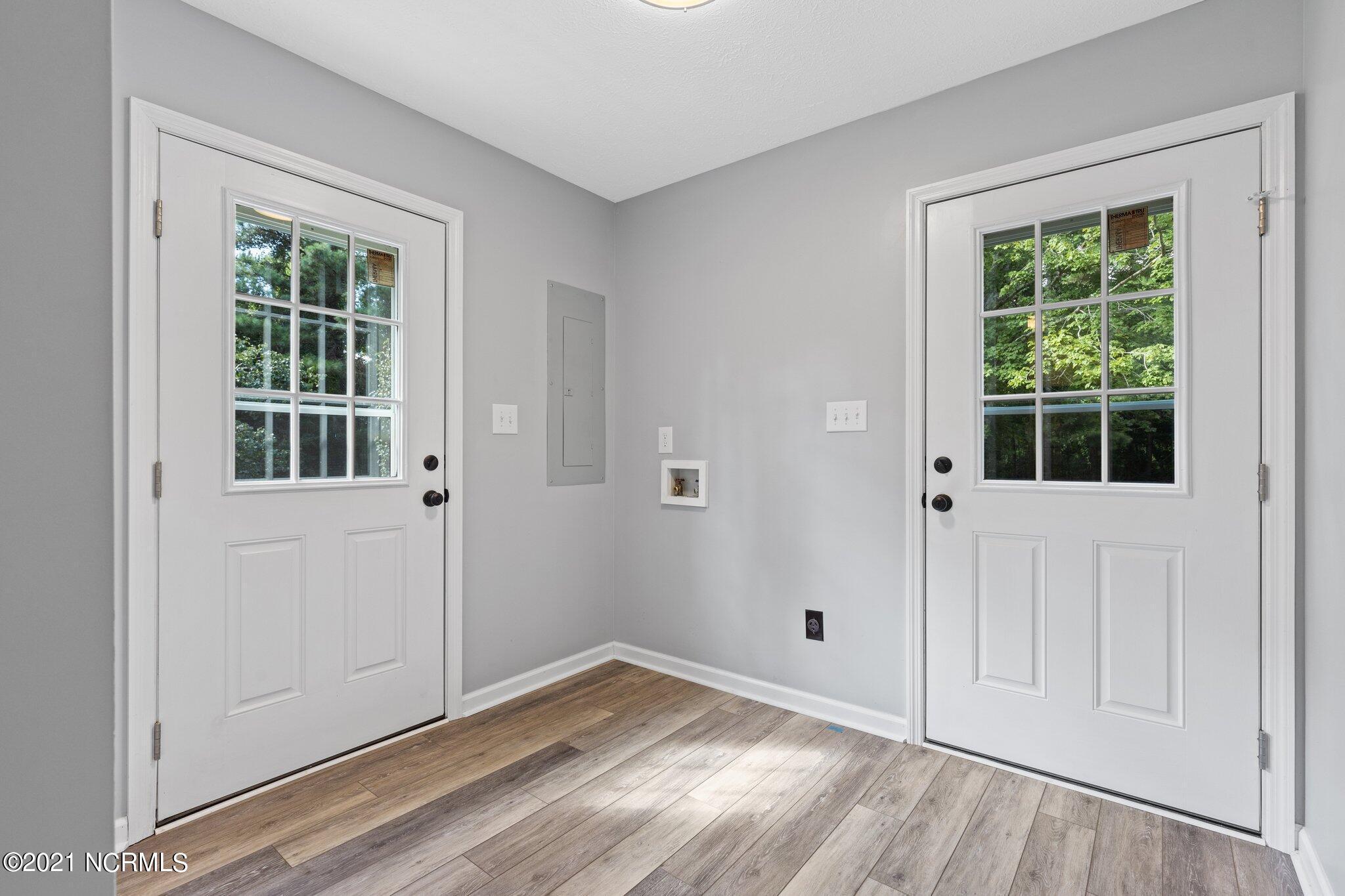 120 Howard Road, Newport, North Carolina 28570, 3 Bedrooms Bedrooms, 7 Rooms Rooms,2 BathroomsBathrooms,Single family residence,For sale,Howard,100286195