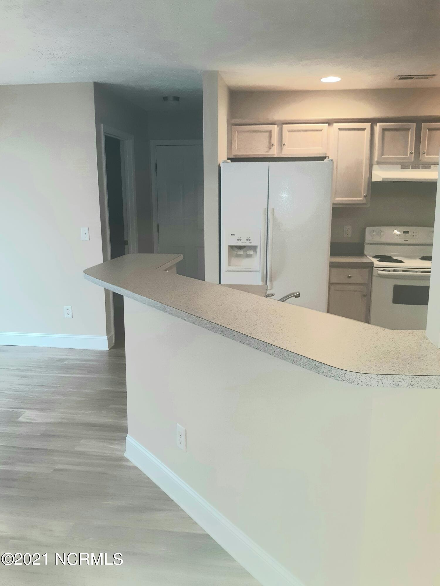 8102 St Barts Court, Wilmington, North Carolina 28412, 3 Bedrooms Bedrooms, 8 Rooms Rooms,2 BathroomsBathrooms,Single family residence,For sale,St Barts,100286514