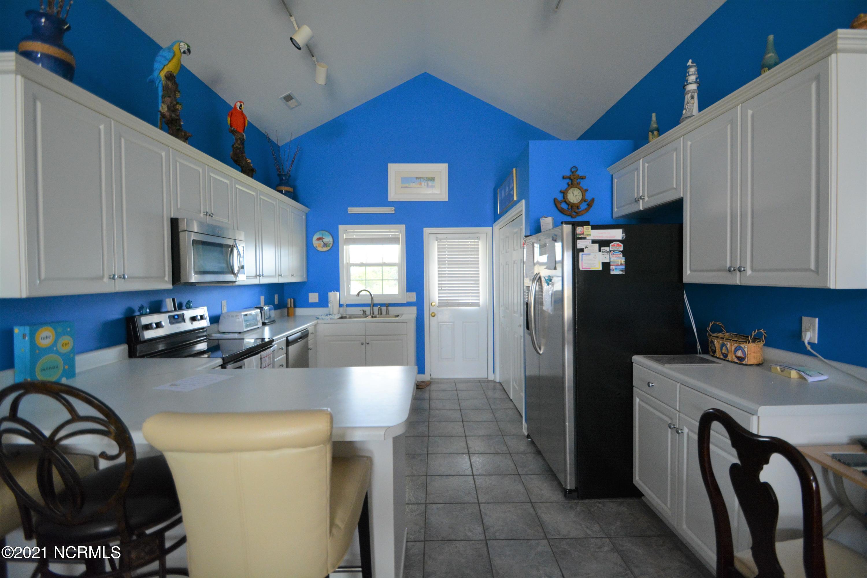 216 Beach Drive, Oak Island, North Carolina 28465, 4 Bedrooms Bedrooms, 6 Rooms Rooms,2 BathroomsBathrooms,Single family residence,For sale,Beach,100286215