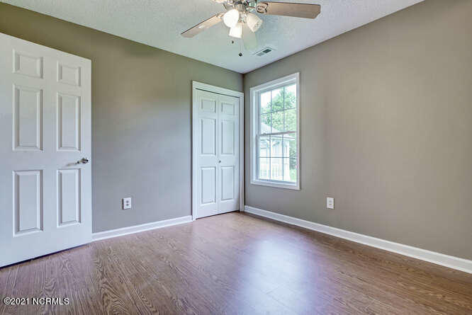 304 Woody Way, Sneads Ferry, North Carolina 28460, 3 Bedrooms Bedrooms, 5 Rooms Rooms,2 BathroomsBathrooms,Single family residence,For sale,Woody,100272065