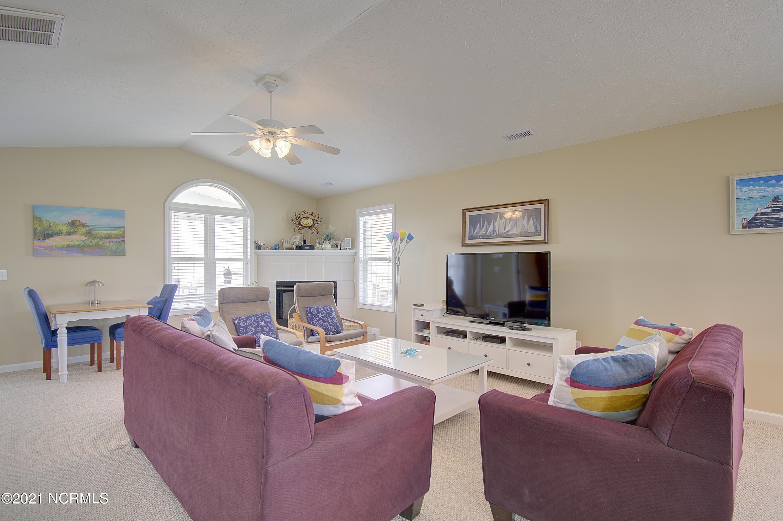 986 Ocean Boulevard, Holden Beach, North Carolina 28462, 4 Bedrooms Bedrooms, 6 Rooms Rooms,3 BathroomsBathrooms,Single family residence,For sale,Ocean,100285717