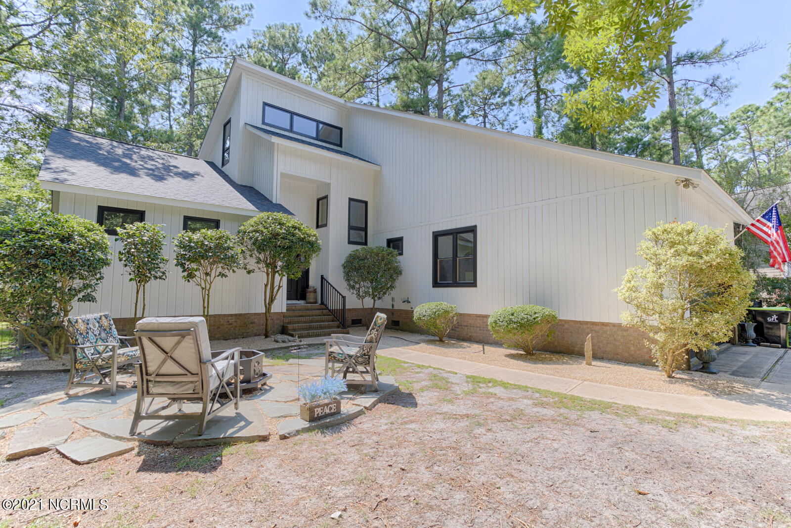 1037 Bracken Fern Drive, New Bern, North Carolina 28560, 3 Bedrooms Bedrooms, 9 Rooms Rooms,2 BathroomsBathrooms,Single family residence,For sale,Bracken Fern,100288053