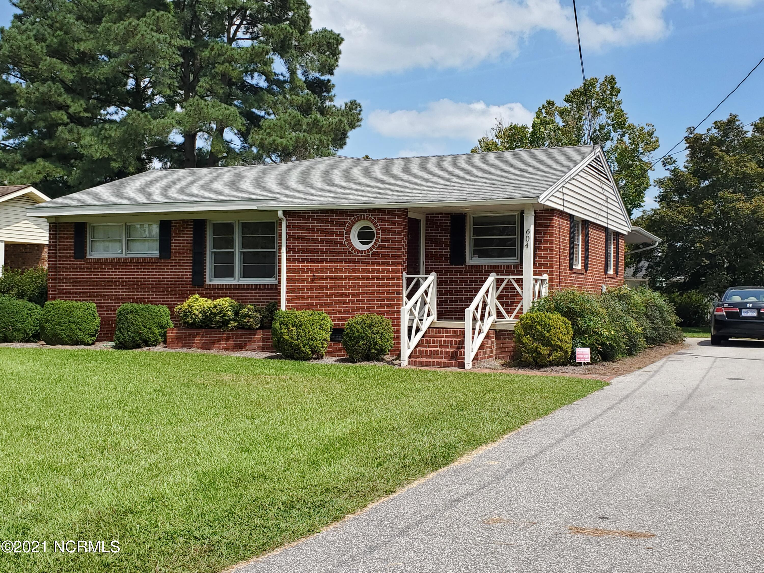 604 Blaney Street, Clinton, North Carolina 28328, 3 Bedrooms Bedrooms, 6 Rooms Rooms,2 BathroomsBathrooms,Single family residence,For sale,Blaney,100281960