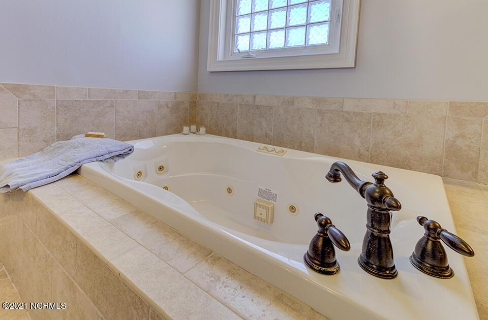 403 Oceana Way, Carolina Beach, North Carolina 28428, 4 Bedrooms Bedrooms, 10 Rooms Rooms,4 BathroomsBathrooms,Single family residence,For sale,Oceana,100286211