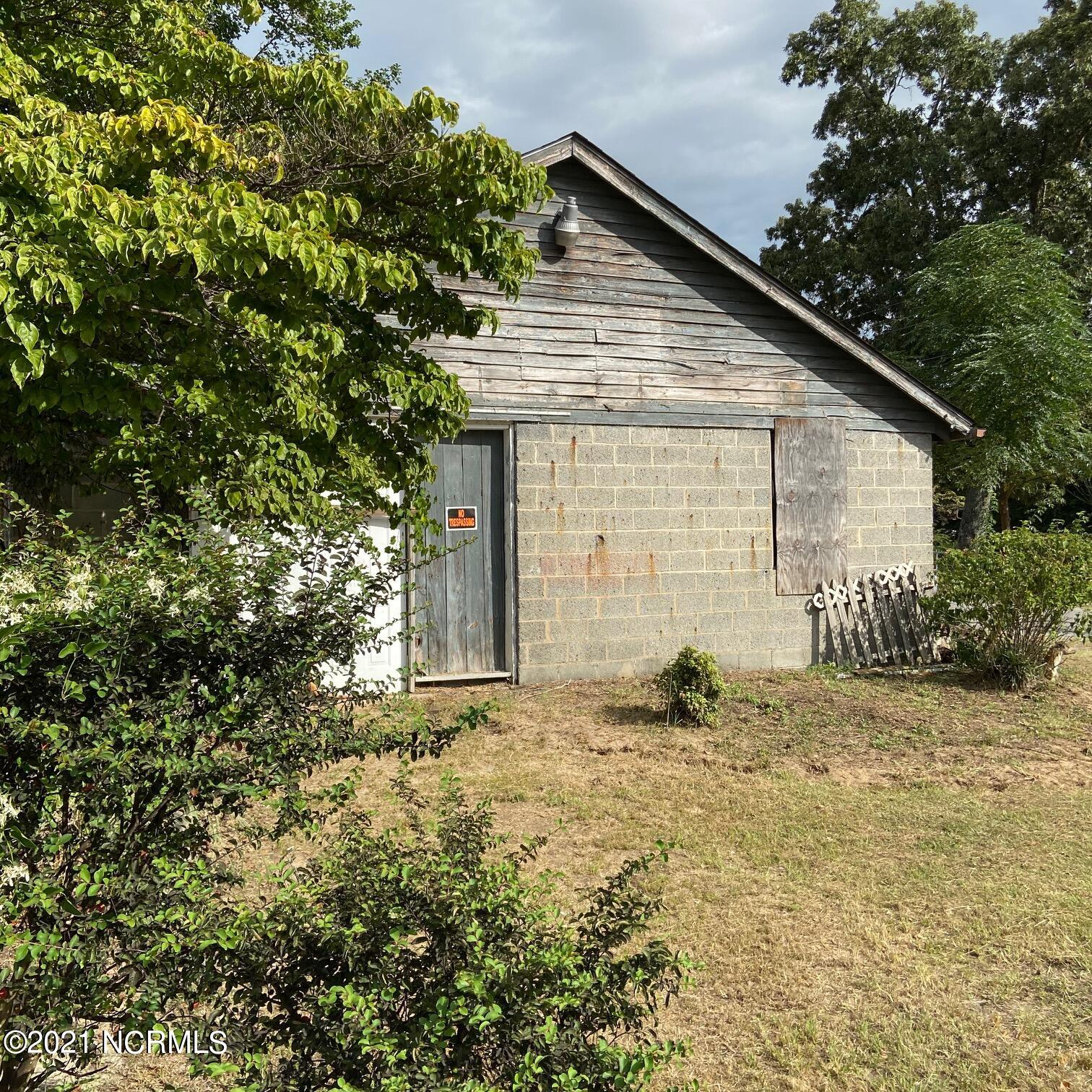 417 5th Street, Saint Pauls, North Carolina 28384, ,Commercial/industrial,For sale,5th,100285458