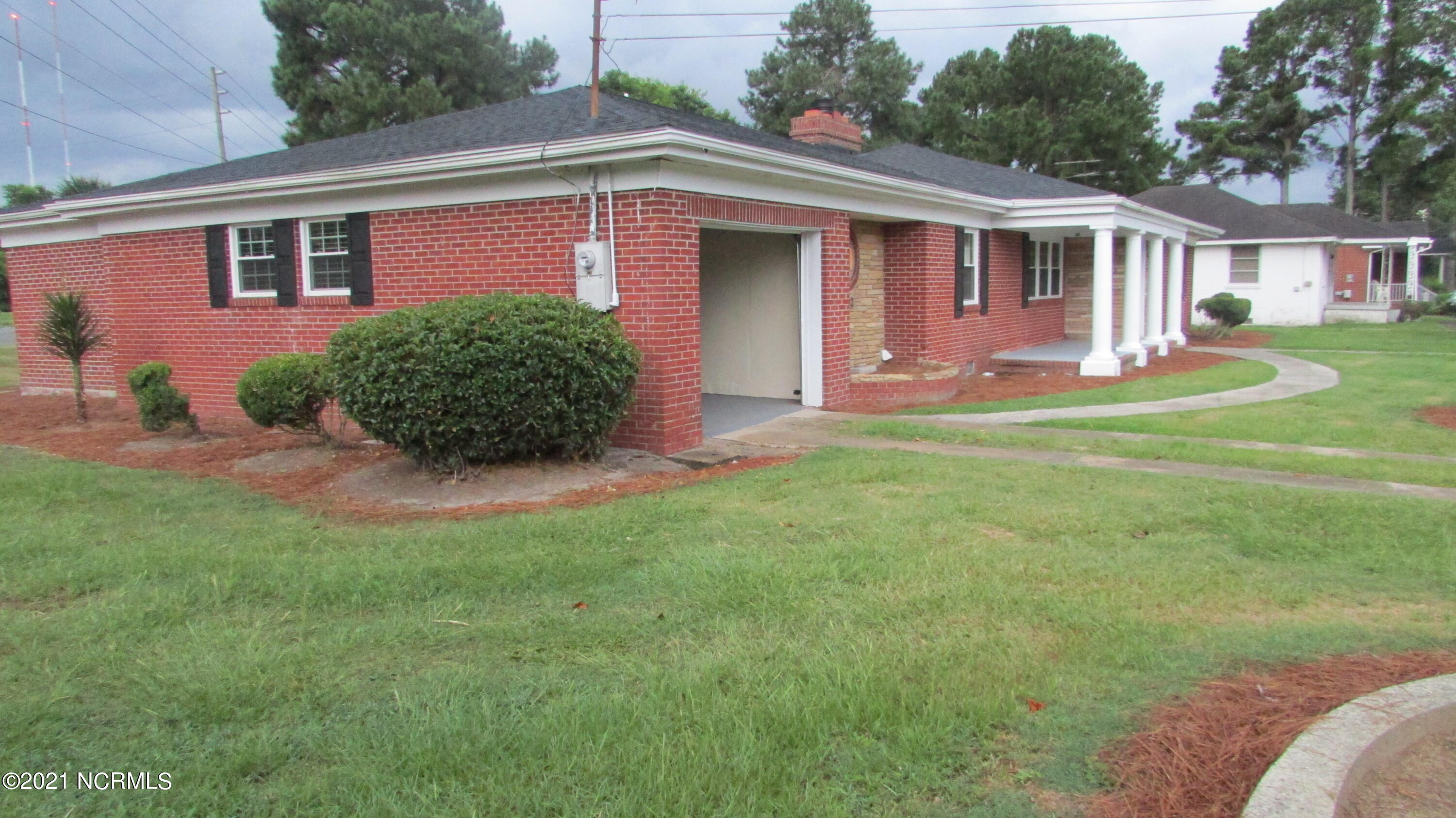 902 Canal Street, Goldsboro, North Carolina 27530, 4 Bedrooms Bedrooms, 7 Rooms Rooms,2 BathroomsBathrooms,Single family residence,For sale,Canal,100252213