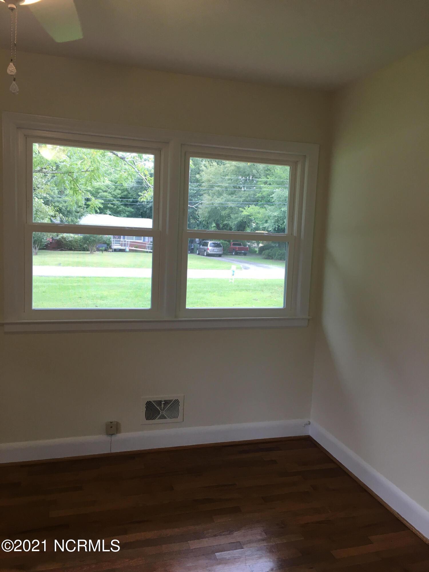 3846 Halifax Road, Wilmington, North Carolina 28403, 3 Bedrooms Bedrooms, 7 Rooms Rooms,2 BathroomsBathrooms,Single family residence,For sale,Halifax,100276015