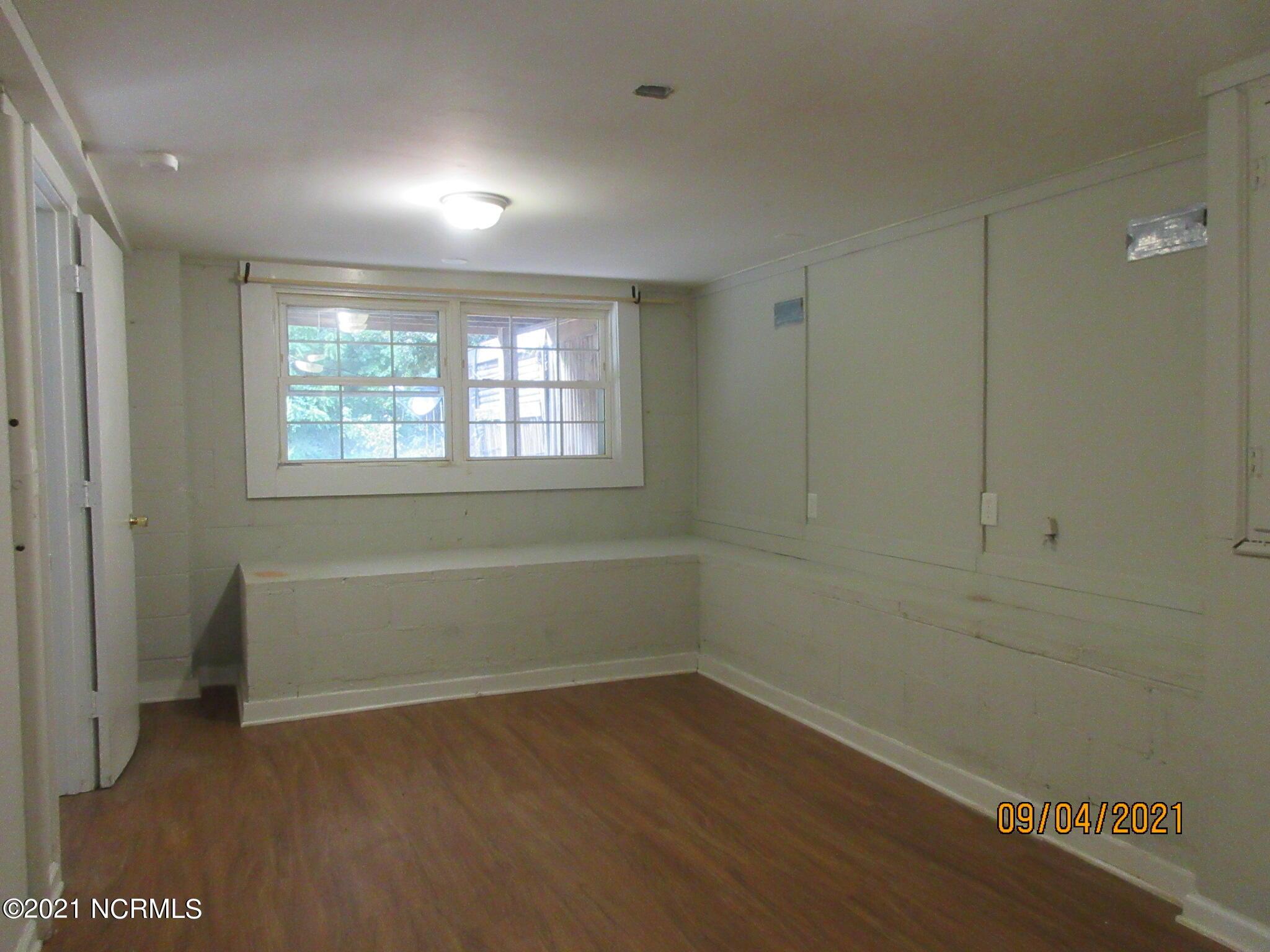 1011 Speight Street, Tarboro, North Carolina 27886, 4 Bedrooms Bedrooms, 8 Rooms Rooms,2 BathroomsBathrooms,Single family residence,For sale,Speight,100286182