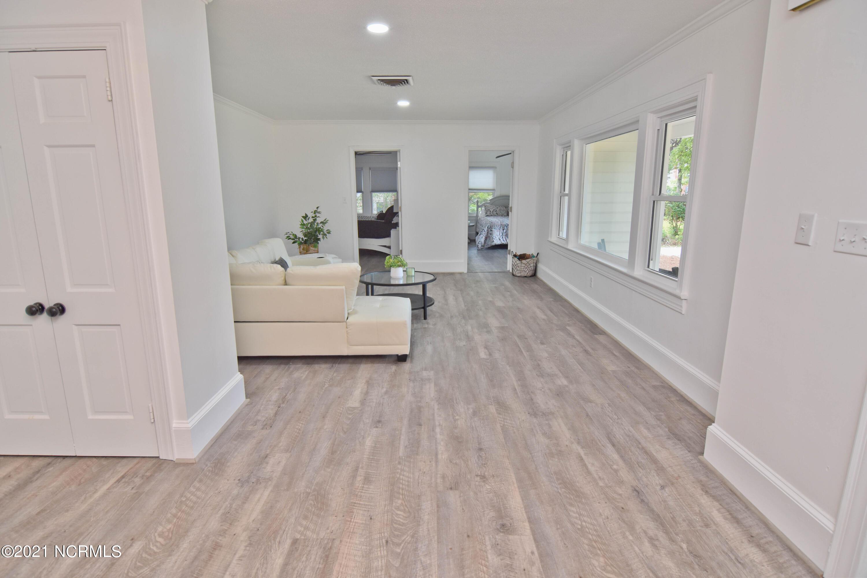 114 Spruce Street, Washington, North Carolina 27889, 2 Bedrooms Bedrooms, 7 Rooms Rooms,2 BathroomsBathrooms,Single family residence,For sale,Spruce,100285010