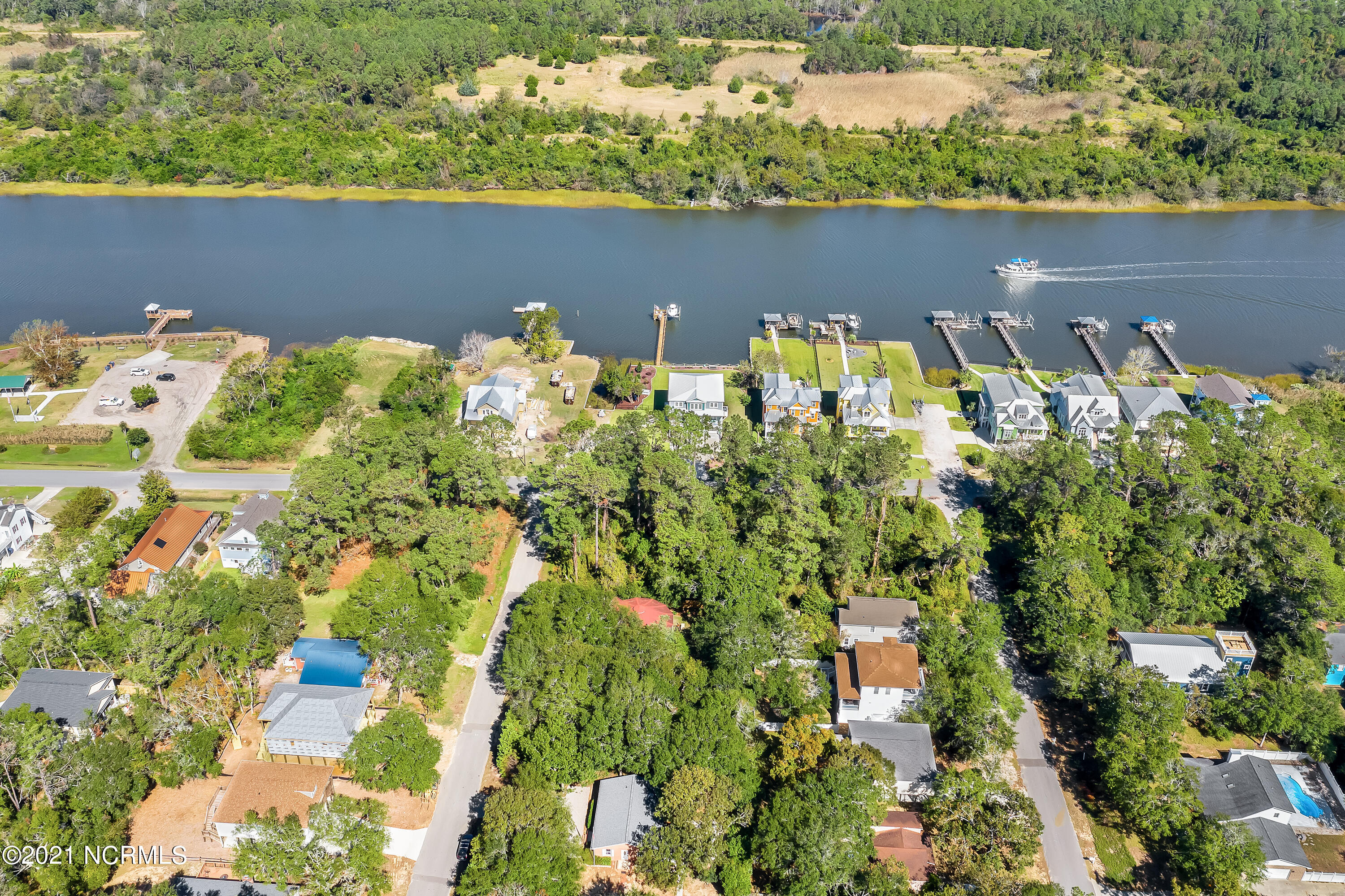 147 8th Street, Oak Island, North Carolina 28465, 3 Bedrooms Bedrooms, 8 Rooms Rooms,2 BathroomsBathrooms,Single family residence,For sale,8th,100274038