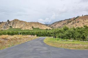 005-5-Pinacle Peak Views From