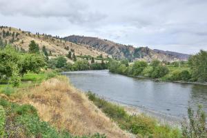 012-4-Wenatchee River Frontage