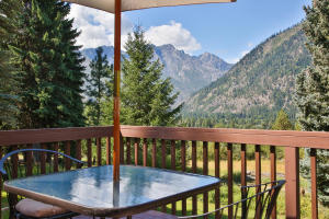 27-6-Deck With Mountain Views-1500x1000-