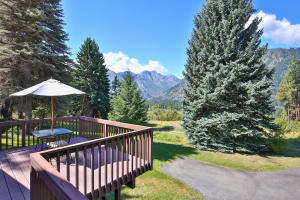 28-28-Deck With Mountain Views-1500x1000