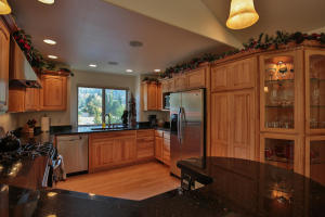8918 E Leavenworth Rd-large-020-20-Kitch