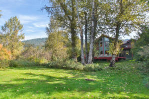 8918 E Leavenworth Rd-large-003-17-Back