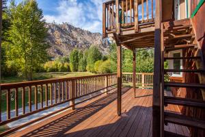 Deck & View