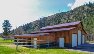 Multi use garage/barn