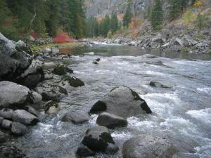 L1392 01 river - north view