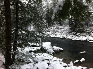 L1392 09 river in winter