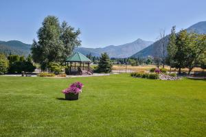 10245 Ski Hill Dr Leavenworth-large-016-