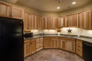53 Lower Level Kitchen DSC_0400Blended