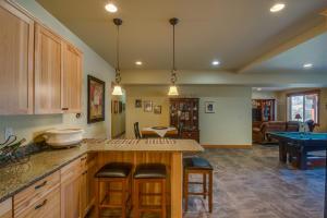 54 Lower Level Kitchen Family Room DSC_0