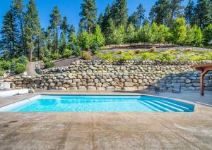 62 Pool Patio Area DSC_0033