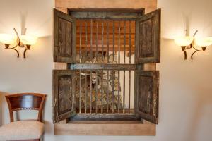 47 Billard Room Detail