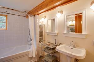 51 Upper Bath