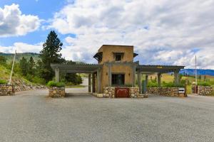 Bear Mountain Entry Gate