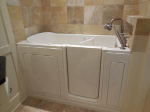 Walk-In Jetted Tub Jack & Jill BR