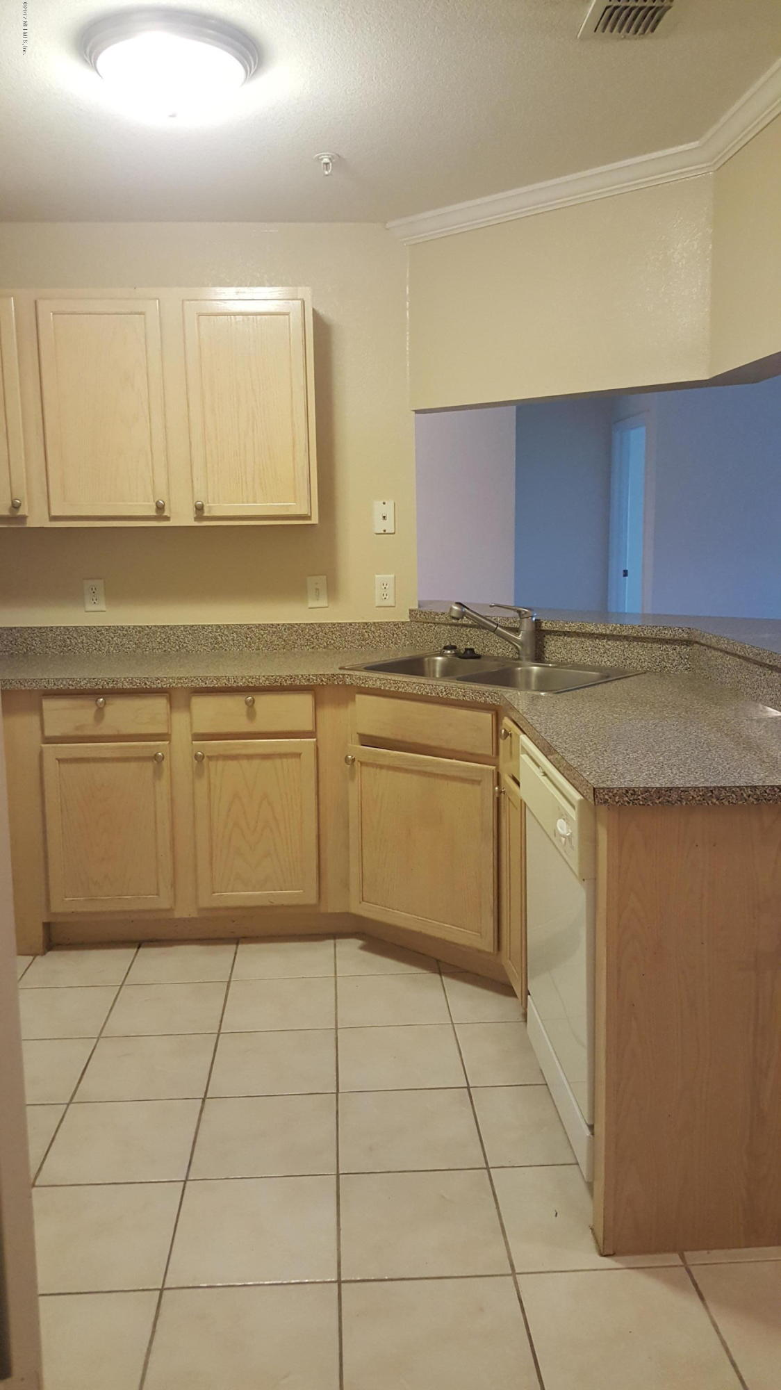 7800 POINT MEADOWS, JACKSONVILLE, FLORIDA 32256, 2 Bedrooms Bedrooms, ,2 BathroomsBathrooms,Condo,For sale,POINT MEADOWS,874453