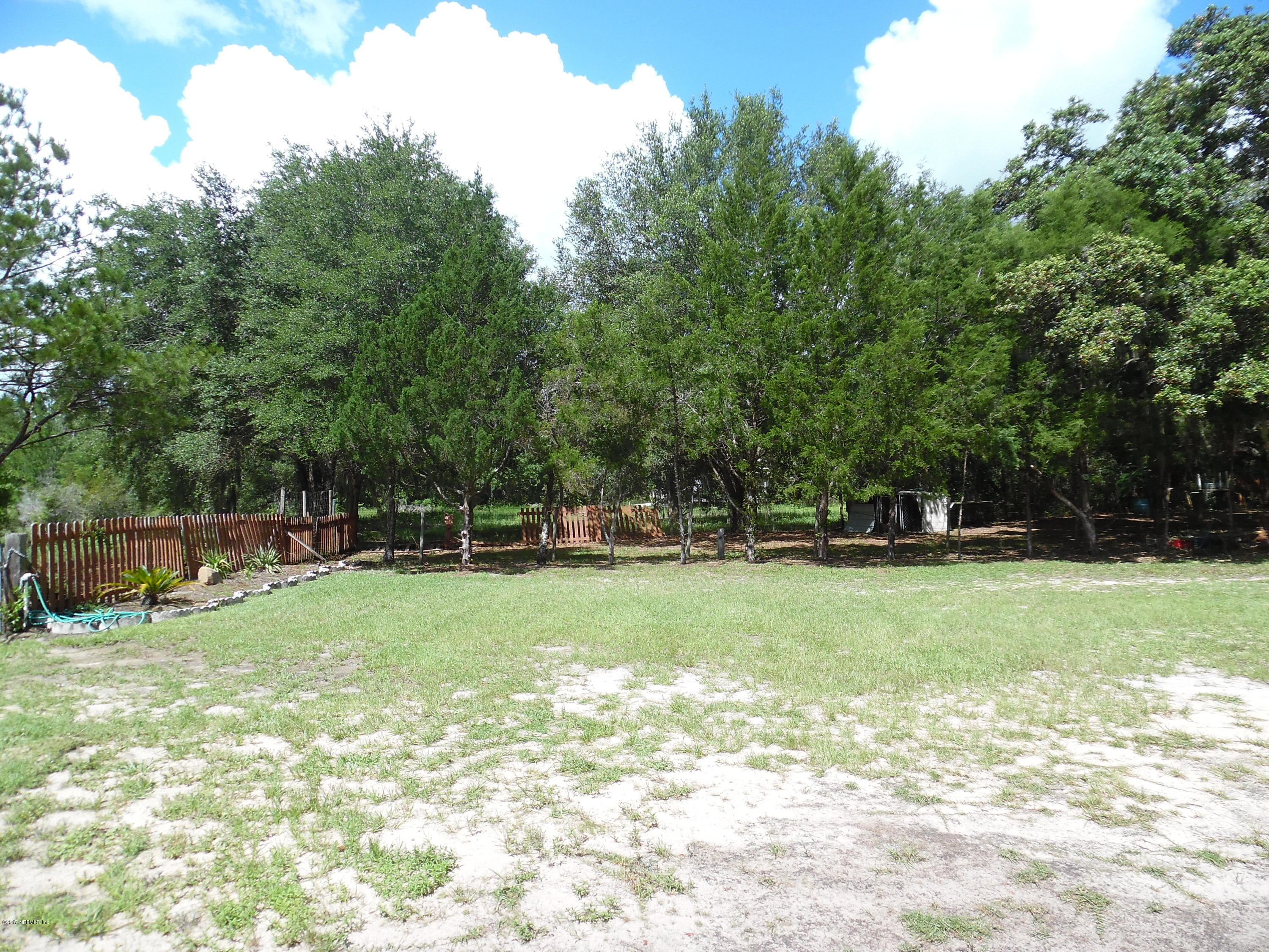 163 LAKEVIEW, HAWTHORNE, FLORIDA 32640, 1 Bedroom Bedrooms, ,2 BathroomsBathrooms,Residential - single family,For sale,LAKEVIEW,893295