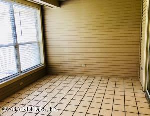 4533 MIDDLETON PARK CIR E, JACKSONVILLE, FL 32224  Photo 11
