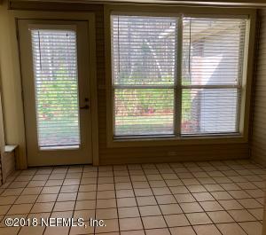 4533 MIDDLETON PARK CIR E, JACKSONVILLE, FL 32224  Photo 10