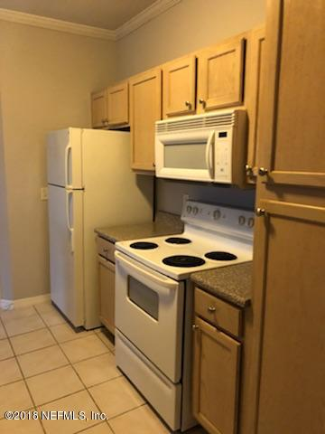 7800 POINT MEADOWS, JACKSONVILLE, FLORIDA 32256, 2 Bedrooms Bedrooms, ,2 BathroomsBathrooms,Residential - condos/townhomes,For sale,POINT MEADOWS,928139